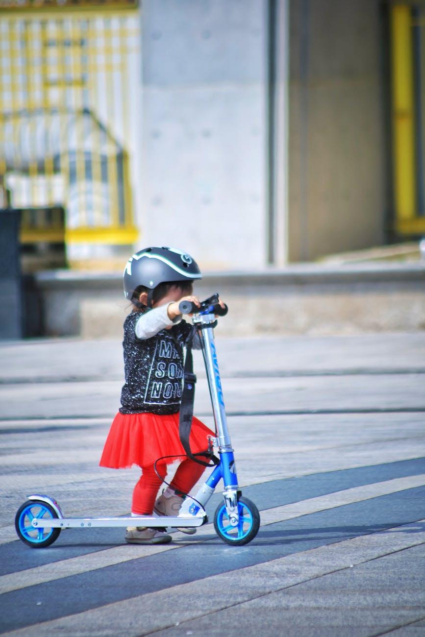 Moda na pojazdy elektryczne. Dowiedz się, czym każdy z nich się wyróżnia